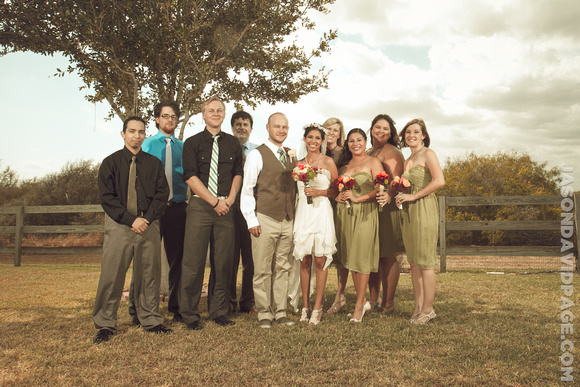 Farm wedding group photos