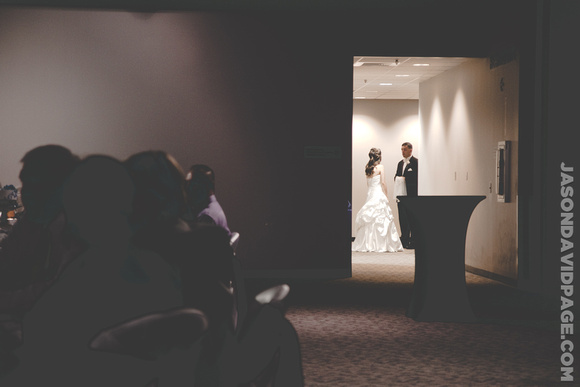 Janice & Tim taking a moment to theirselves by Corpus Christi wedding photographer Jason Page