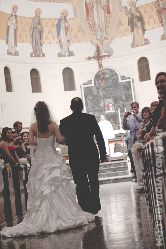 Janice walking down aisle by Corpus Christi wedding photographer Jason Page